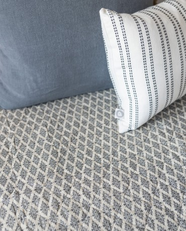 Plaid edredón ornamental gris 130x180