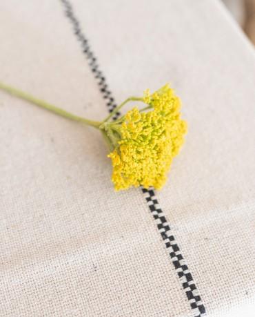 Milenrama amarilla artificial