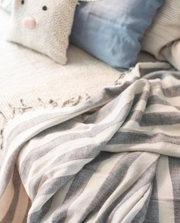 Manta rayas grises 120x195
