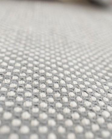 Alfombra gris  con puntitos 200x300