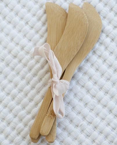Cuchillos de untar bamb ud deco living for Cuchillo para untar mantequilla