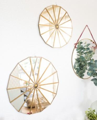 Espejo decorativo oro poligonal
