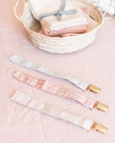 Portachupete cisne rosa