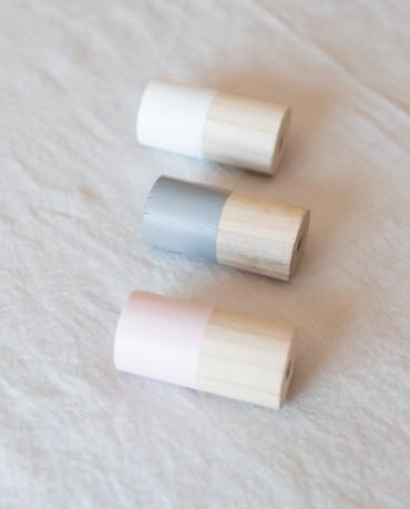 Percheros madera colores