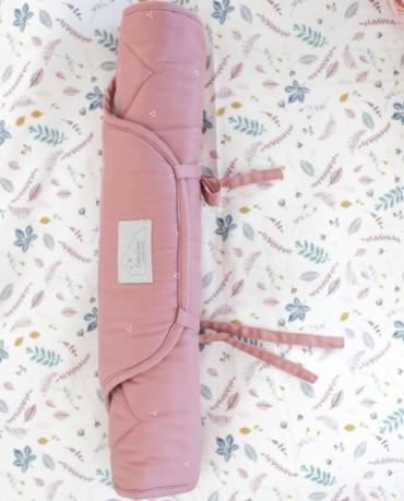 Cambiador rosa gotitas